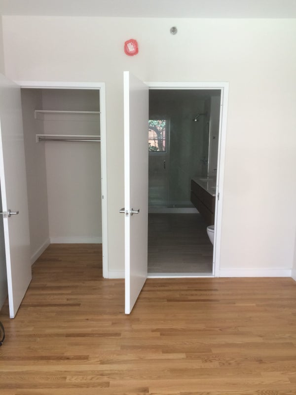 Massive BR W Private Bathroom In Chelsea NYC Room To Rent From - Rooms for rent in nyc with private bathroom