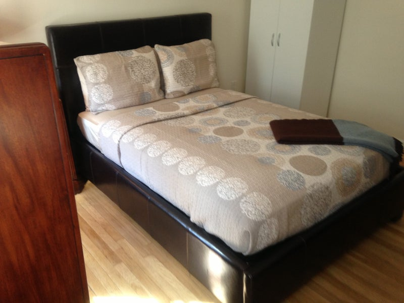 Two Sisters Looking For Third Roommate Room To Rent