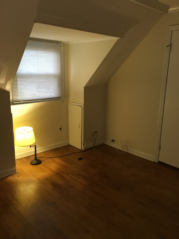 empty room in 2 bedroom apartment ' room to rent from spareroom