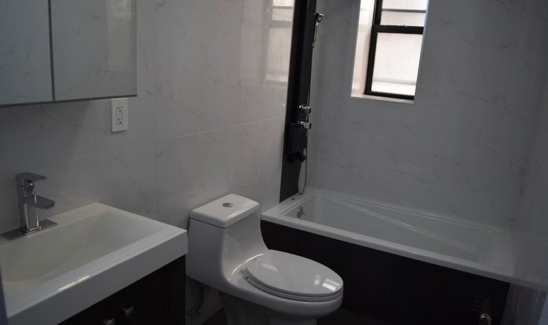 39 newly renovated 3 bedroom in prospect lefferts 39 room to for Bathroom 9x9