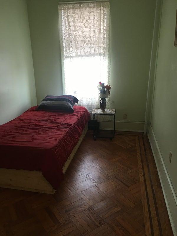 39 One Bedroom Apartment For Rent In Astoria Queens 39 Room To Rent From Spareroom