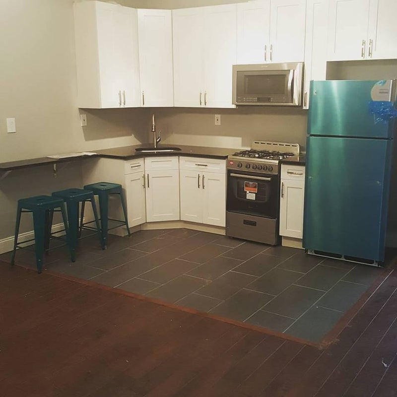 Newly Renovated 4 Bedroom / 3 Bath by J & L train\' Room to Rent from ...