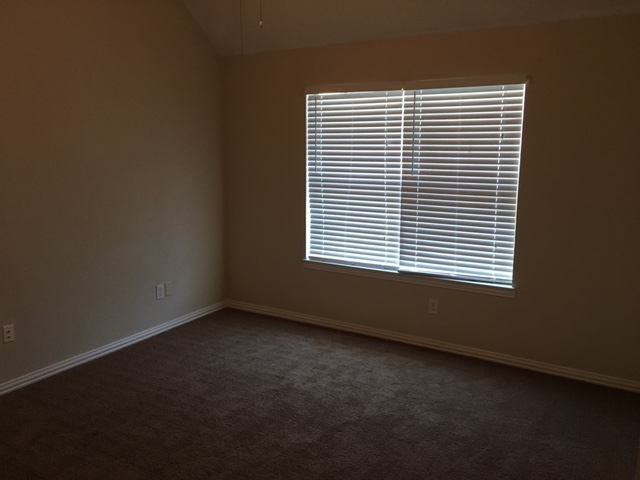 Click to zoom room another angle & Rooms available for long term rental - a big houseu0027 Room to Rent ...