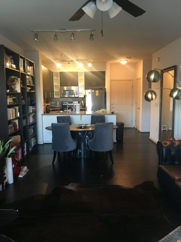 Apartment Is Steps From S And Restaurants Of Fairfax Corner With Easy Access To 66 Only A