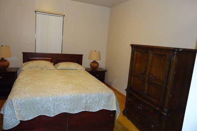 Private Room Near Montefiore & Jacobi Hospital' Room to Rent