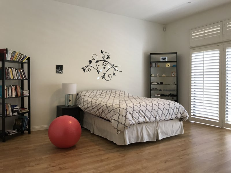 Master Bedroom In 2 Bed 2.5 Bath Studio City Condo Will Be Available As A  Short Term/summer Sublet Beginning 5/15 (possibly Sooner).