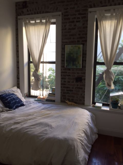 Two Bedrooms Available In A 3 Bedroom Apartment Crown Heights Brooklyn Near Franklin Avenue And Eastern Parkway Preferably Seeking Women 20s To