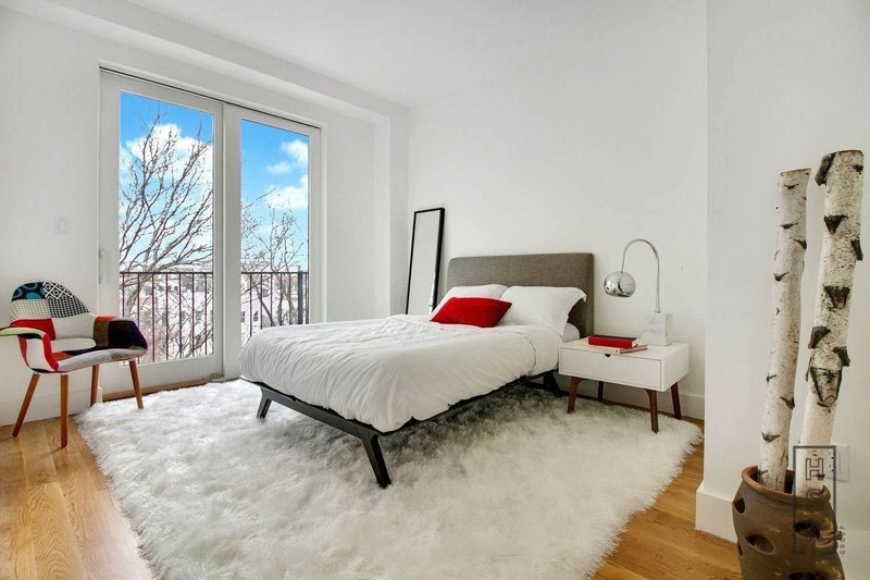 Big Master Bedroom with Balcony**Williamsburg\' Room to Rent ...