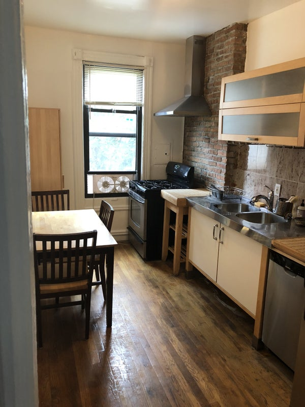 'Townhouse Apartment Share in Hamilton Heights' Room to ...