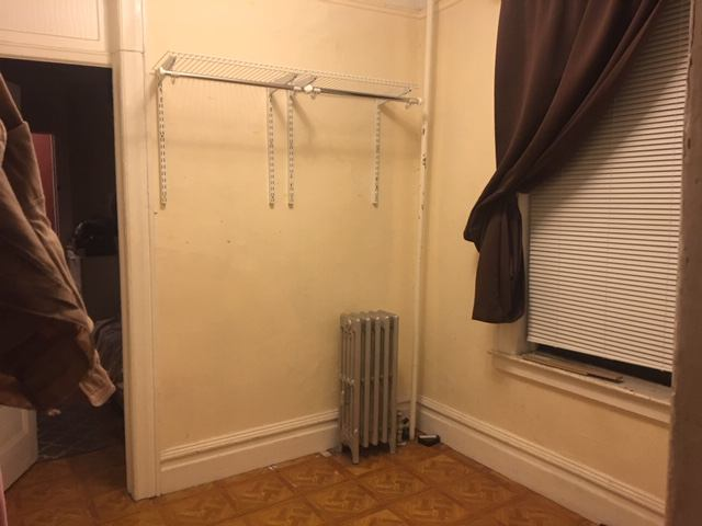 Unfurnished Room For Rent Available In Small Railroad Style Apartment You Have To Walk Through One Bedroom Get Your