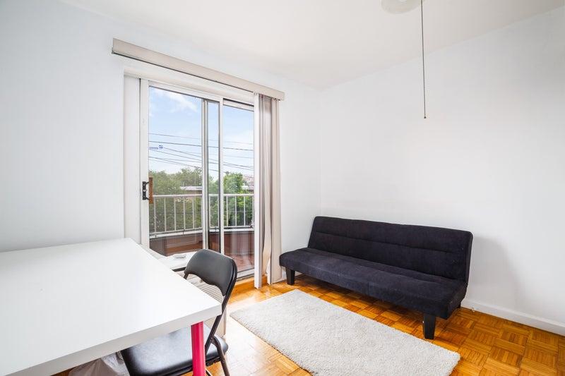 2 Rooms,2 Bath,Duplex,ACs,Laundry in unit,Dishwash' Room to